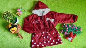 Jaket Anak Batita 2-3th Anti Air Waterproof Hello Kitty Maroon